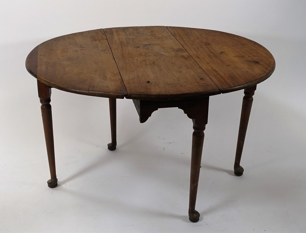 New England Queen Anne Pine Drop Leaf Table - 4