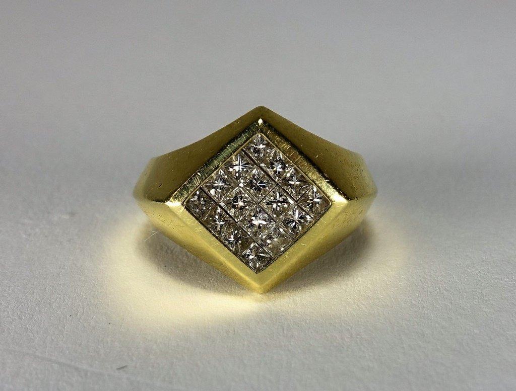 18 KT Yellow Gold & Diamond Mens Ring