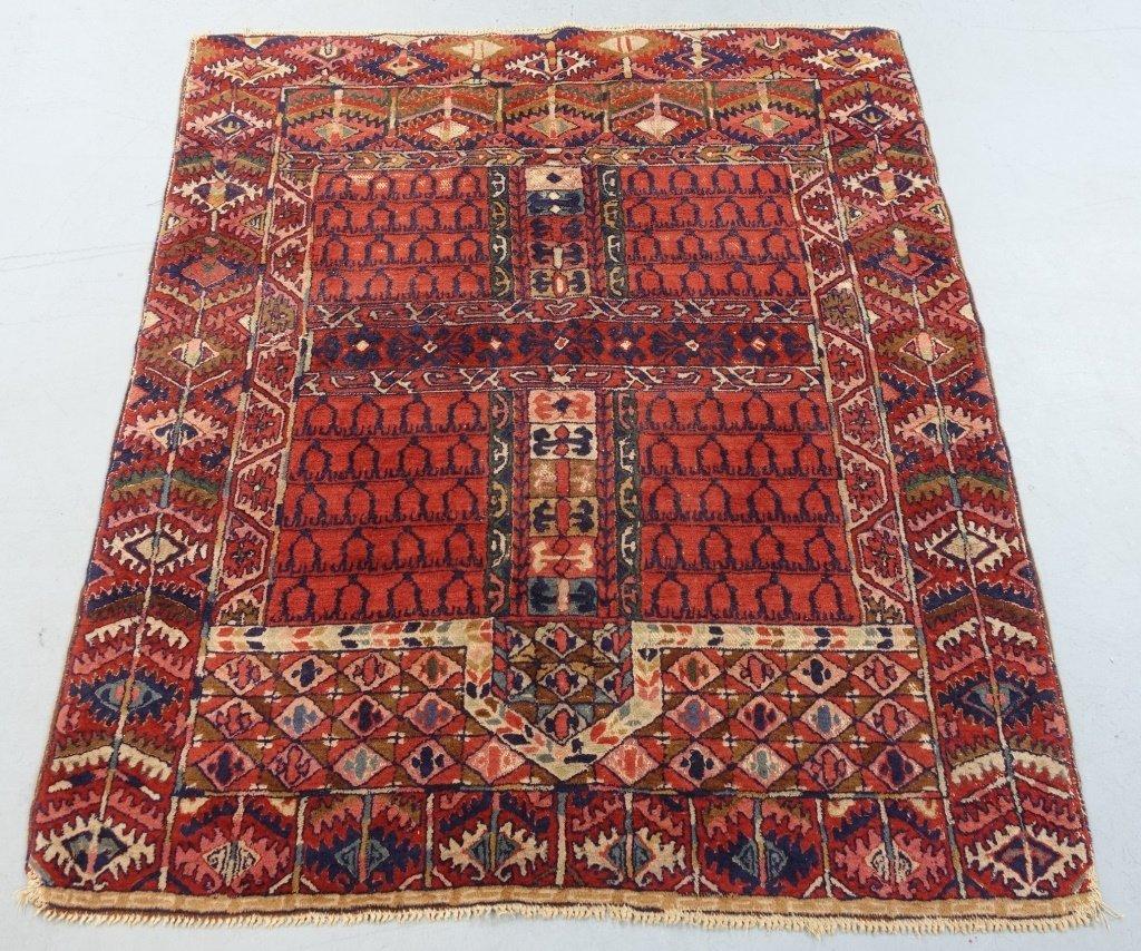European Enssi Pattern Carpet