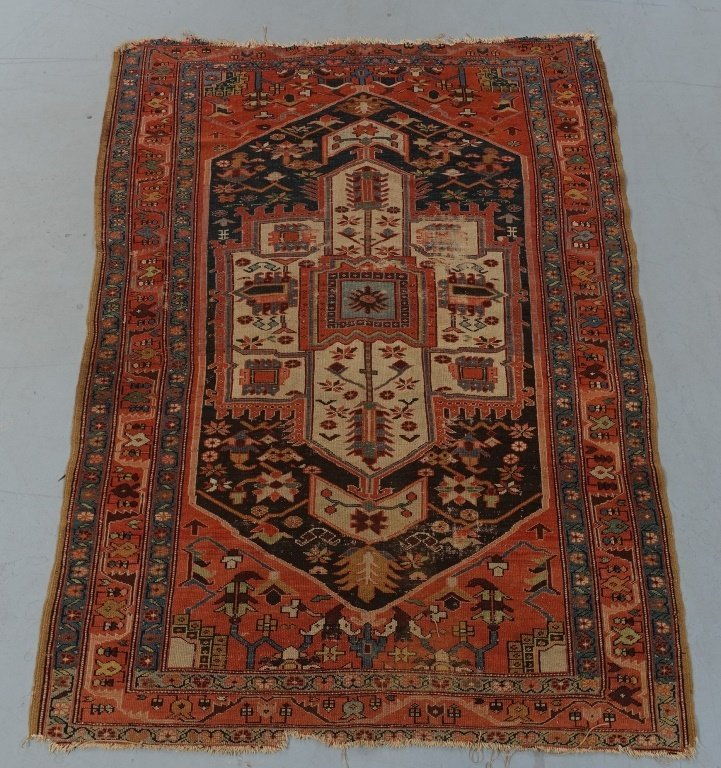 Oriental Heriz Serapi Pattern Rug