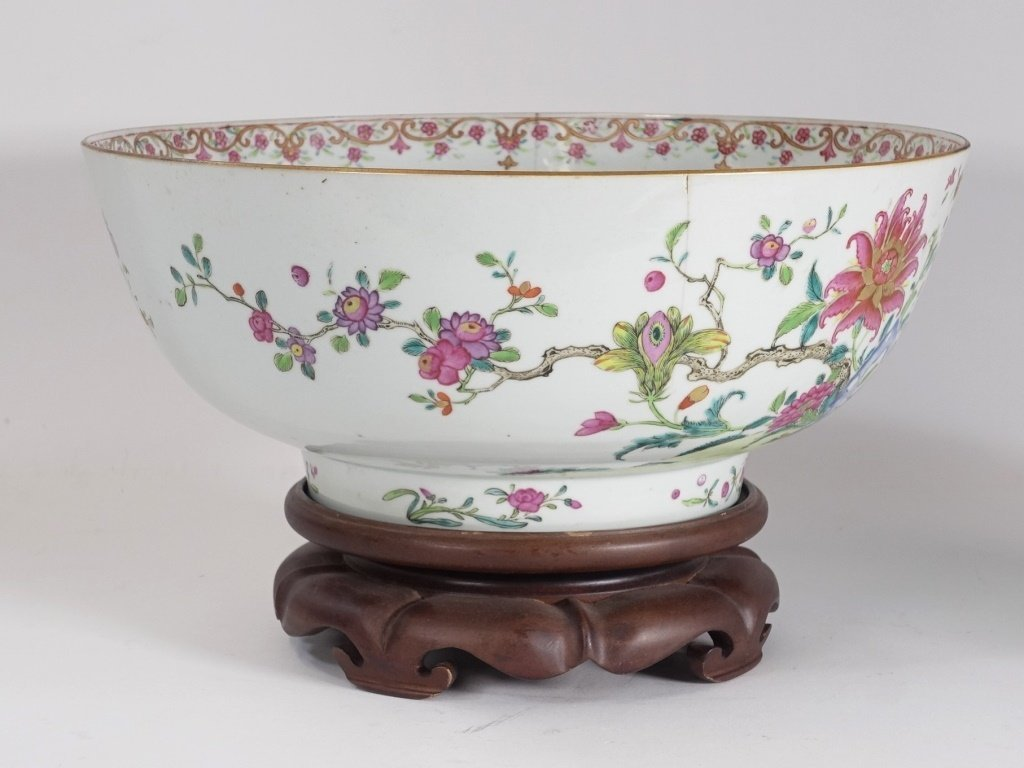 Chinese Export Porcelain Famille Rose Punch Bowl - 2