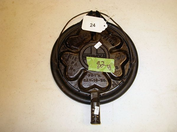 24: GRISWOLD #18 HEARTS & STARS WAFFLE IRON