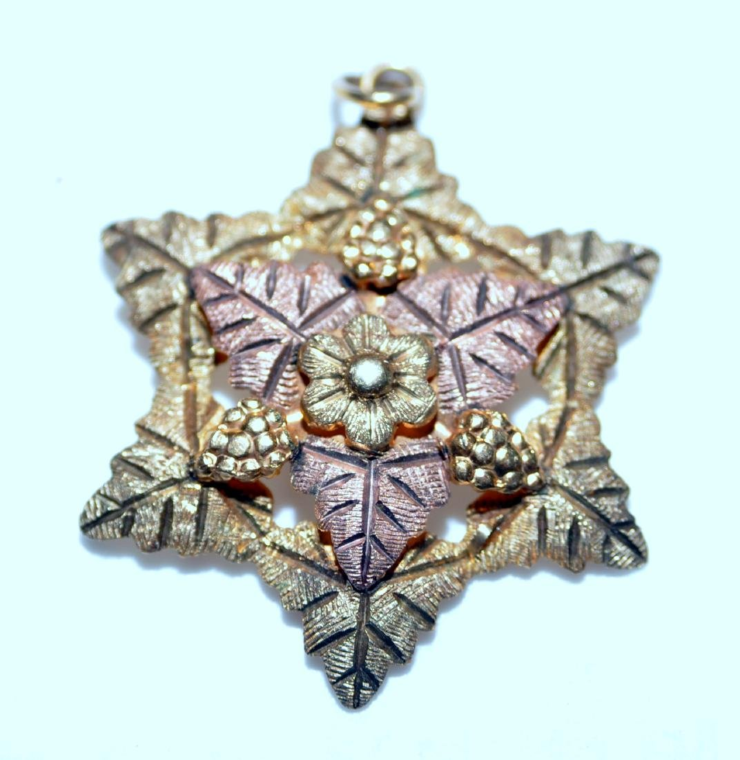 Black Hills gold pendant star