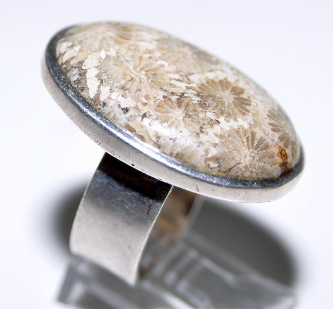 Cabochon coral sterling ring - 4