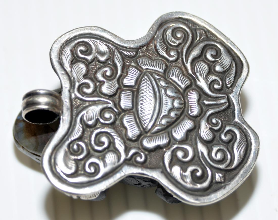 Frog labradorite pendant carved - 6