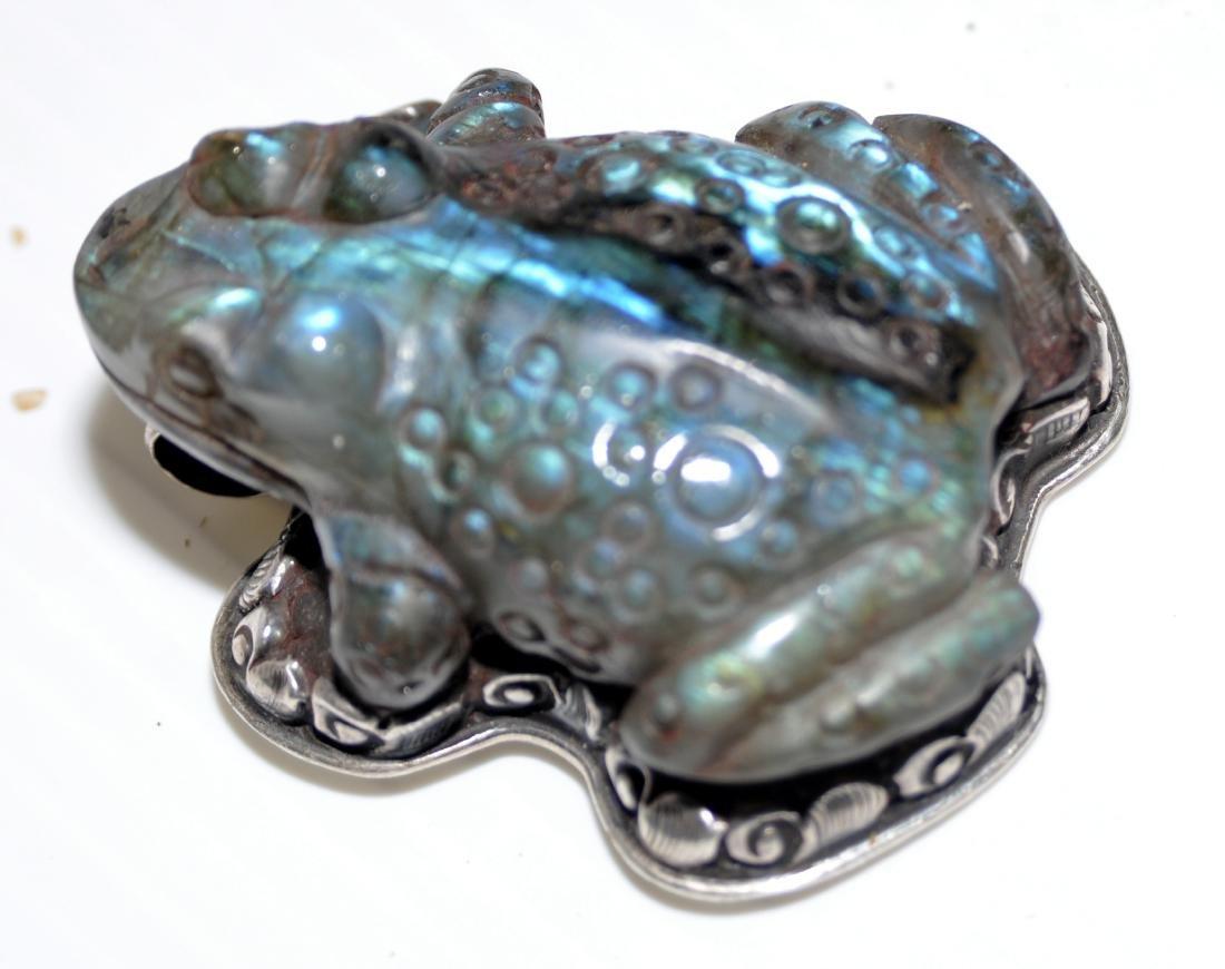 Frog labradorite pendant carved - 7