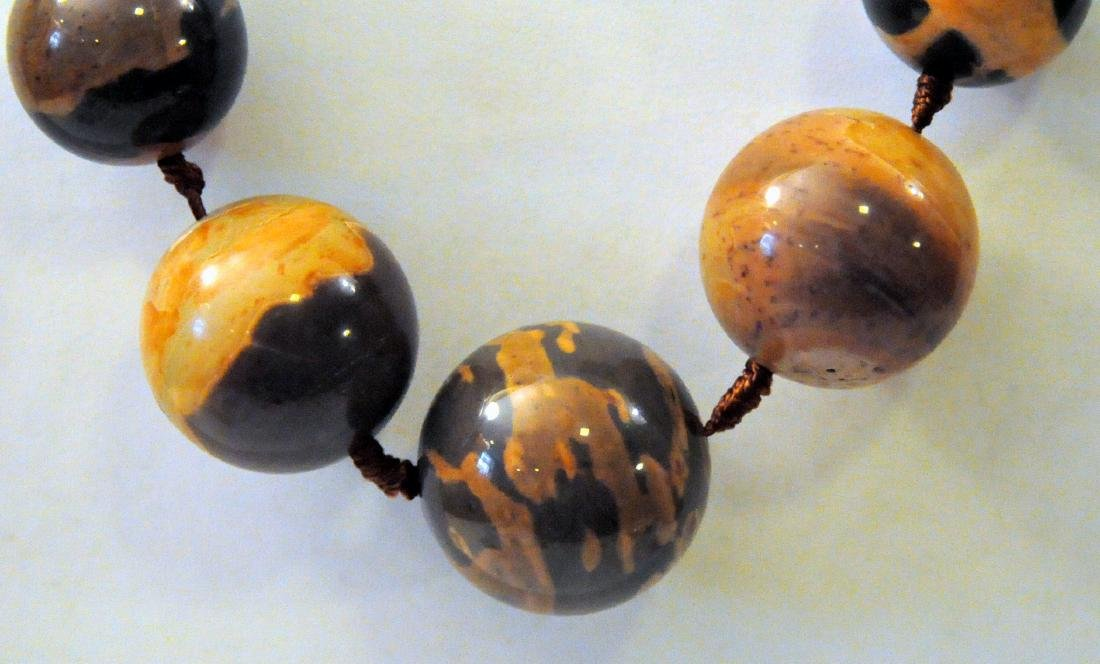 Large jasper beads knotted necklace - 2