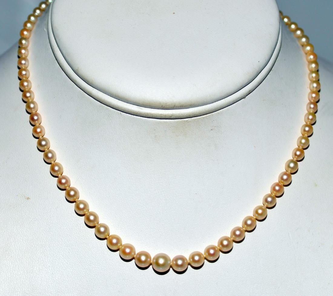 Necklace pearls graduated gold clasp