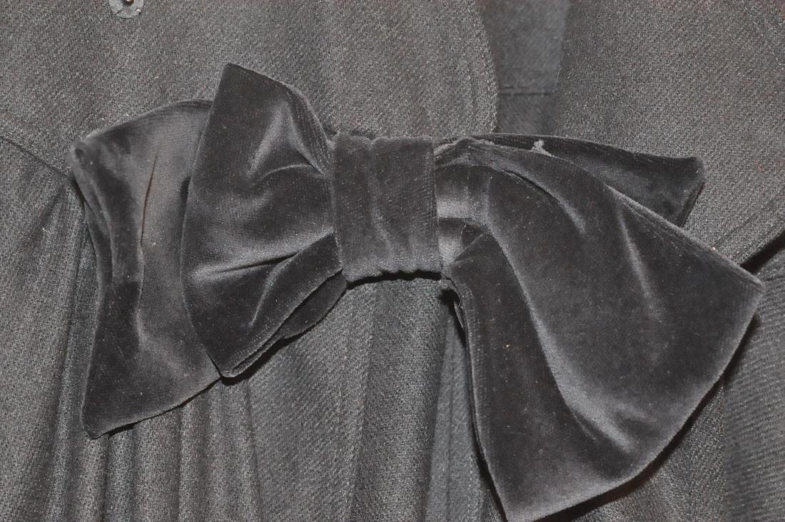 Cape vintage black long velvet bow - 2