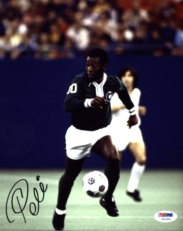 Pele Authentic Signed 8x10 Photo PSA/DNA Included