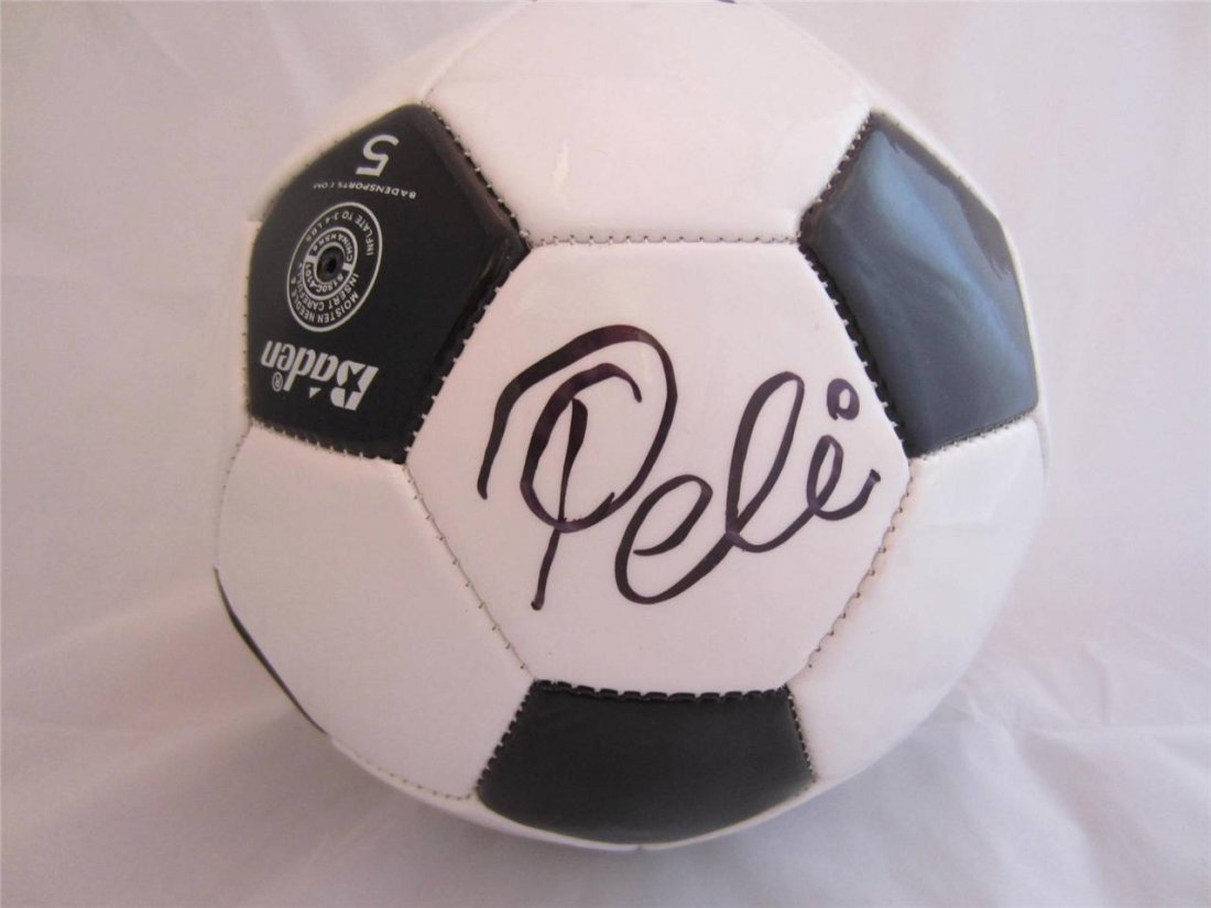Pele Signed Autographed Soccer Ball PSA/DNA Included