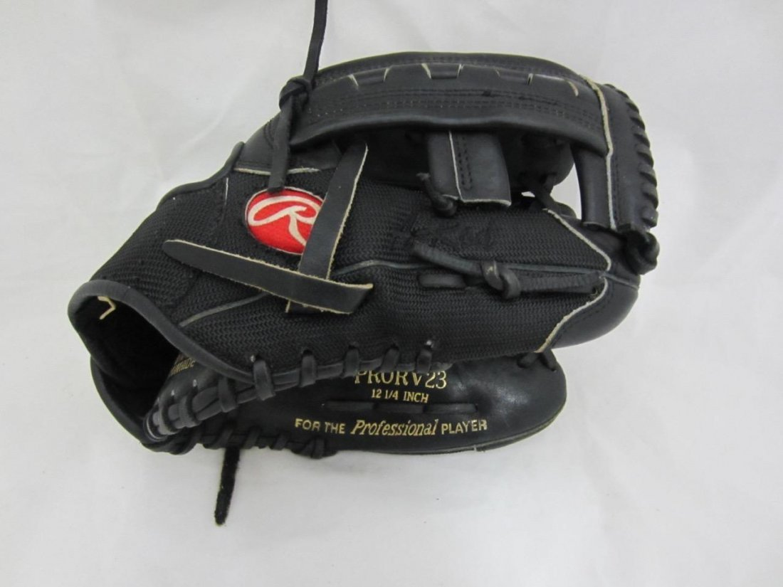Rare! Alex Rodriguez Authentic Rawlings Fielding Game