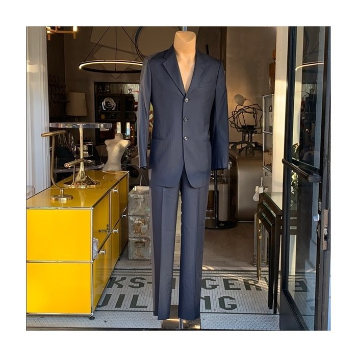 Men's suit made in Italy by Armani Collezioni 42L