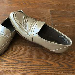 Pair of American Made JB mens dress shoes size 9m