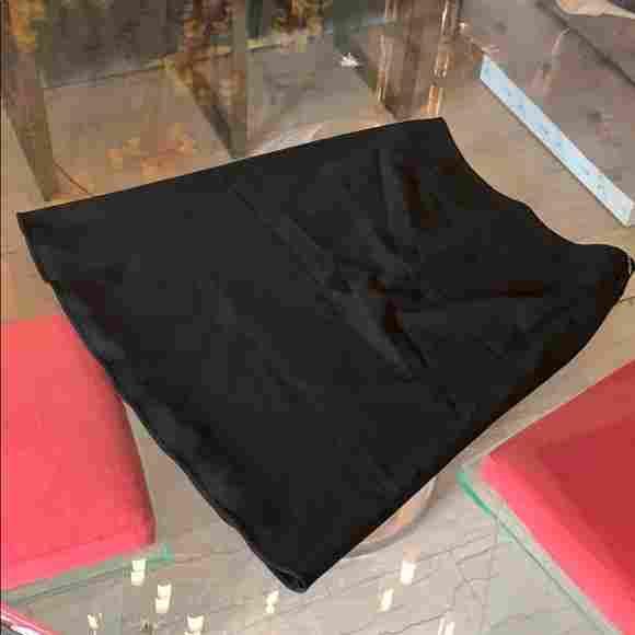 Giorgio Armani BORGO 21 Skirt sz 42, Made in Italy