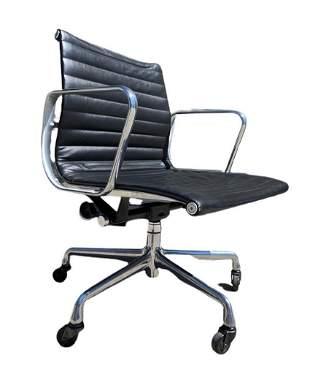 Herman Miller EA335 Eames Aluminum Group Desk Chair