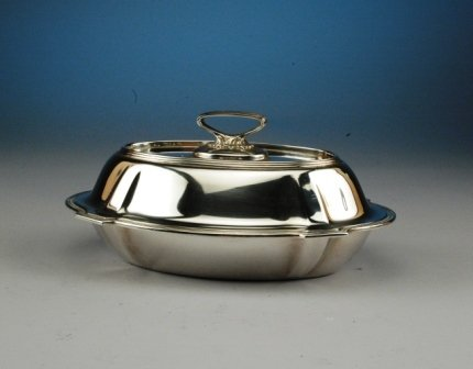 15: A GORHAM STERLING SILVER TUREEN AND COVER of shaped