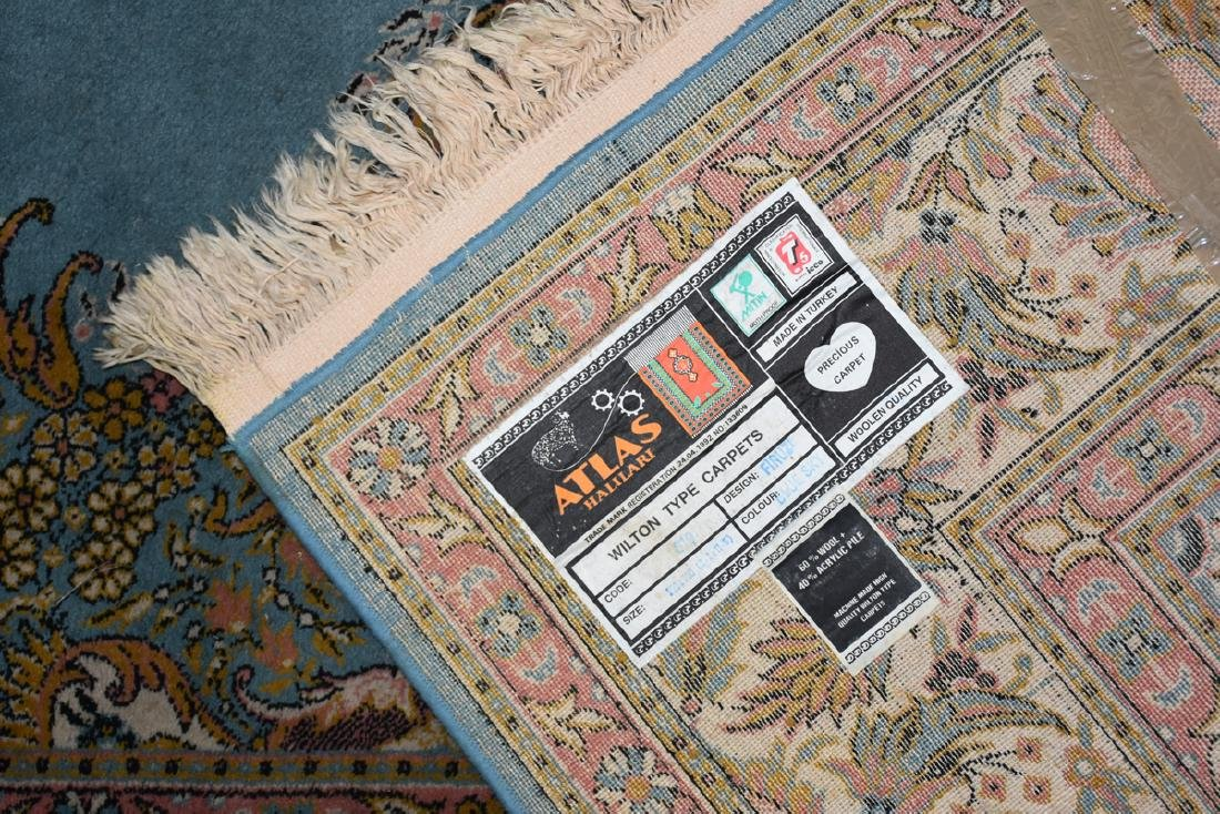 A SAROUK STYLE MACHINE WOVEN WOOL/ACRYLIC BLEND RUG, - 12