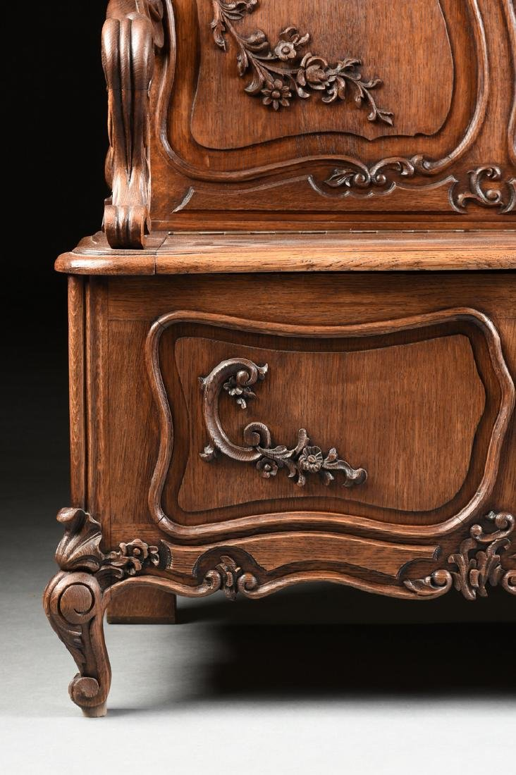 A LOUIS XV PROVINCIAL STYLE PARQUETRY INLAID CARVED OAK - 7