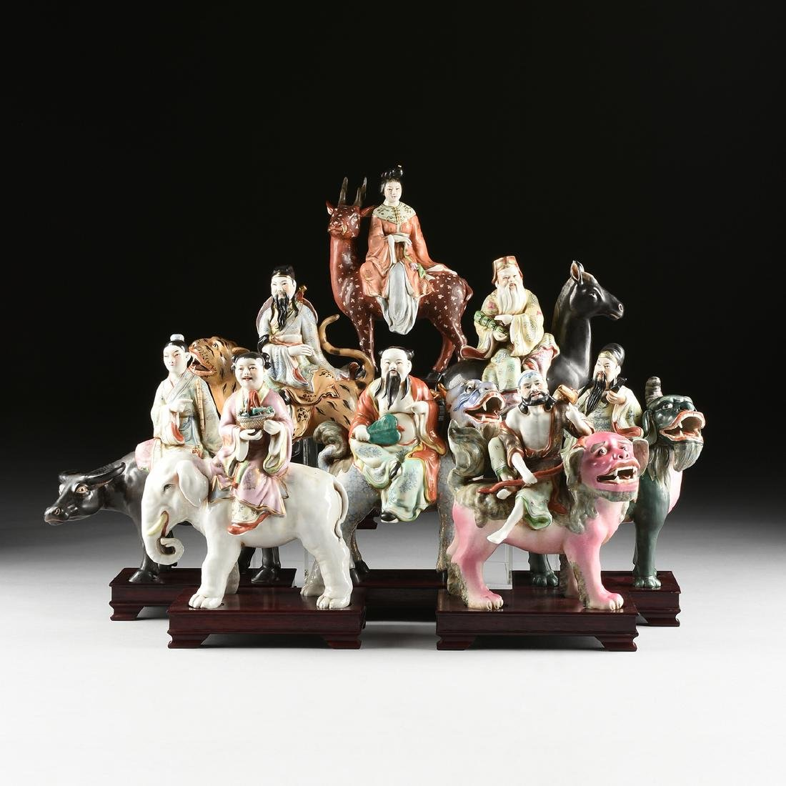 A GROUP OF CHINESE EXPORT PARCEL GILT POLYCHROME