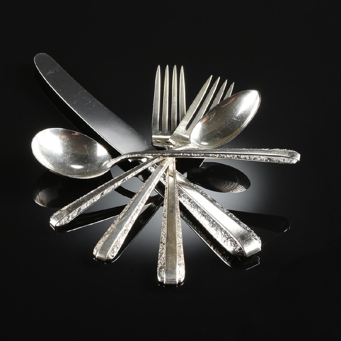 AN EIGHTY-SIX PIECE SET OF TOWLE STERLING SILVER