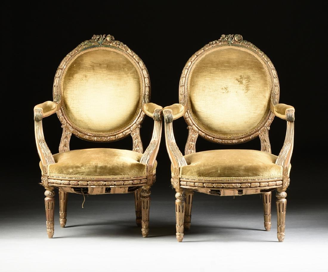 A PAIR OF NORTHERN ITALIAN NEOCLASSICAL GILTWOOD BEECH