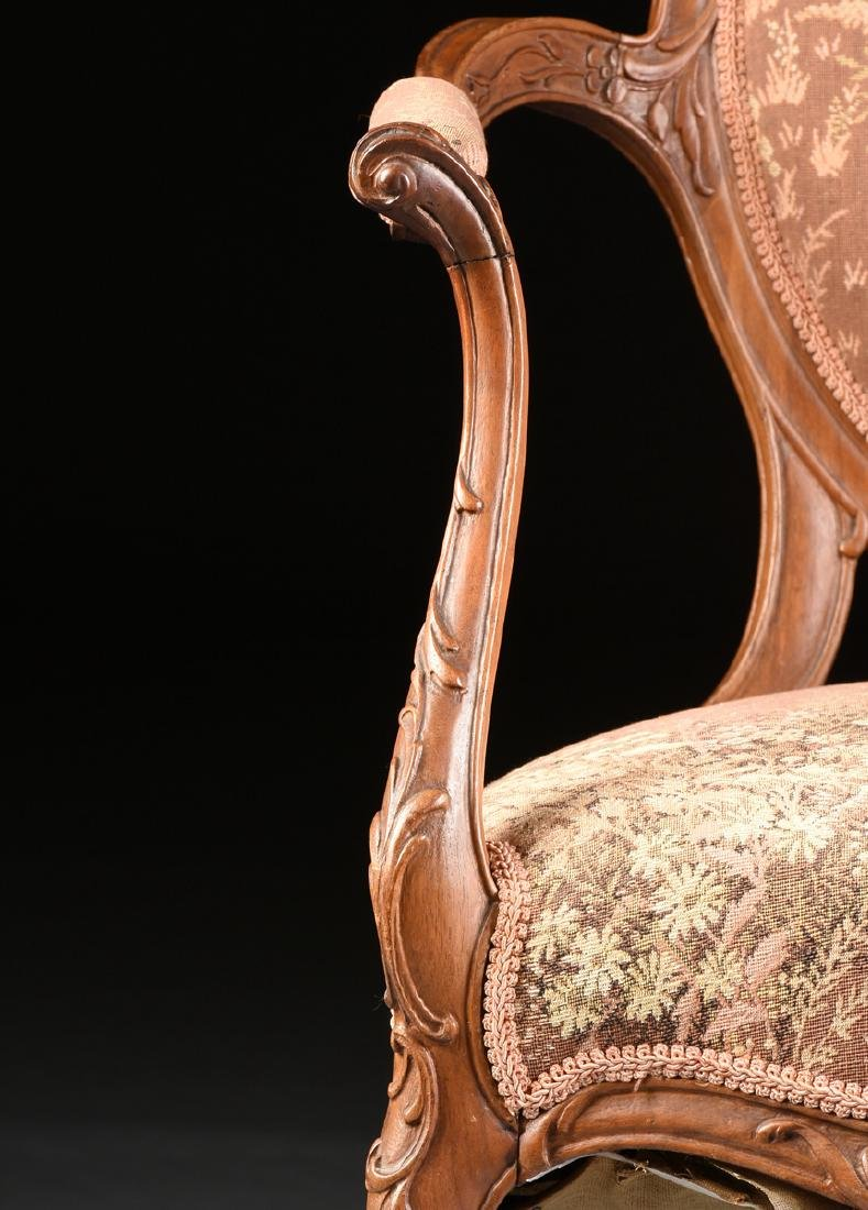 A PAIR OF TRANSITIONAL LOUIS XV/XVI STYLE CARVED WALNUT - 3