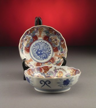 2: A PAIR OF IMARI BOWLS,  each decorated in traditiona
