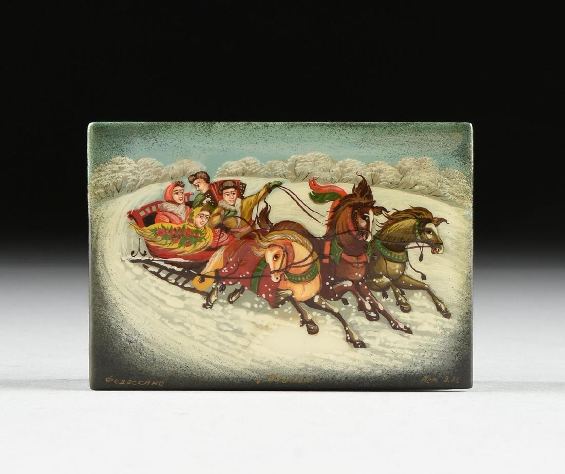 A GROUP OF TWO RUSSIAN LACQUERED PAPIER MACHE BOXES, - 6