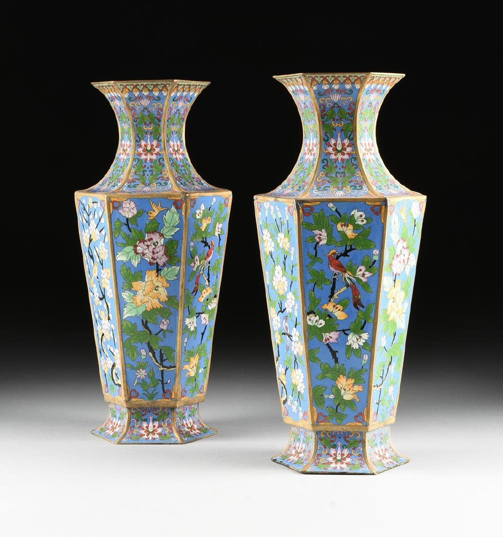 A PAIR OF LARGE VINTAGE CHINESE EXPORT CLOISONNÉ VASES,