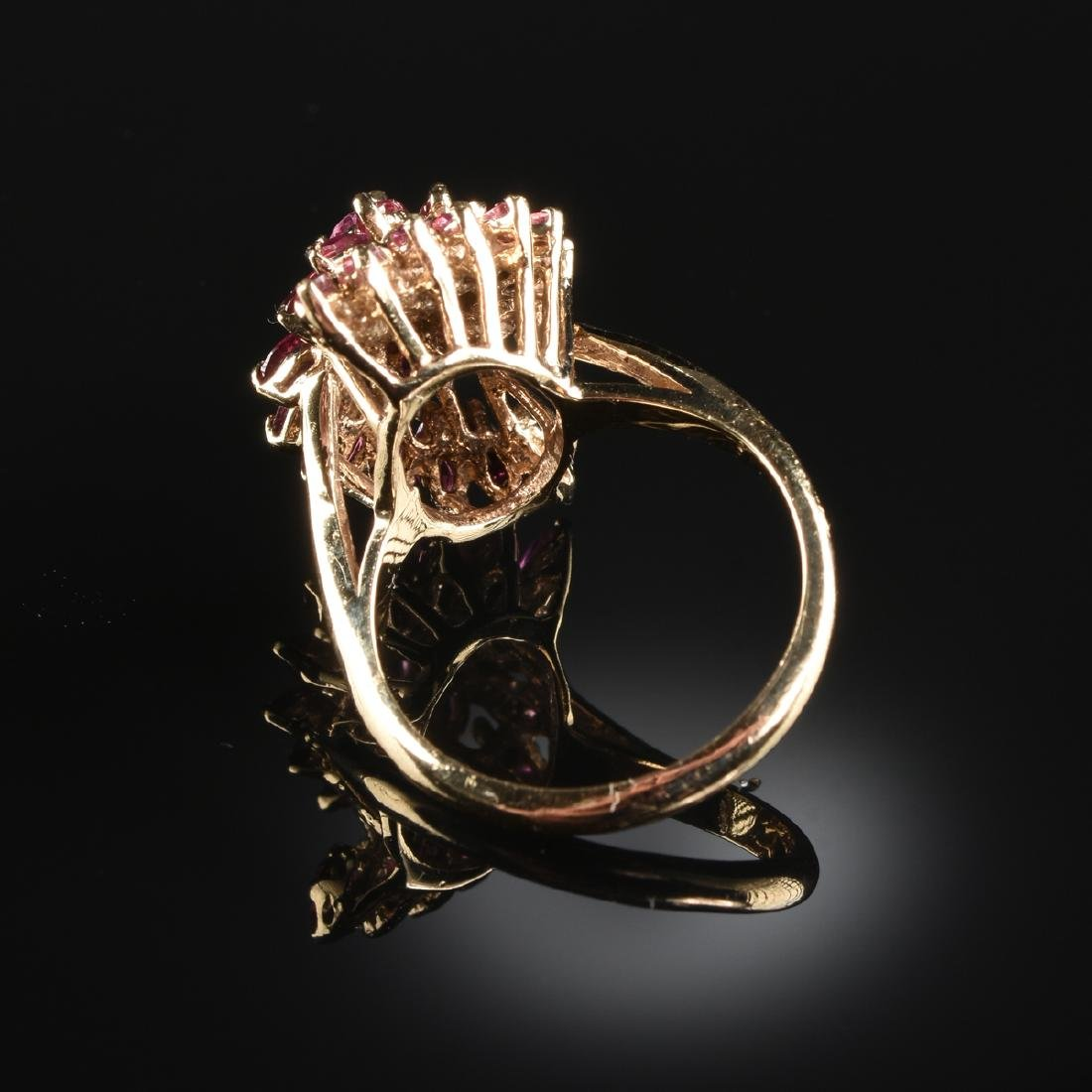 A 14K YELLOW GOLD AND RUBY LADY'S RING, - 2