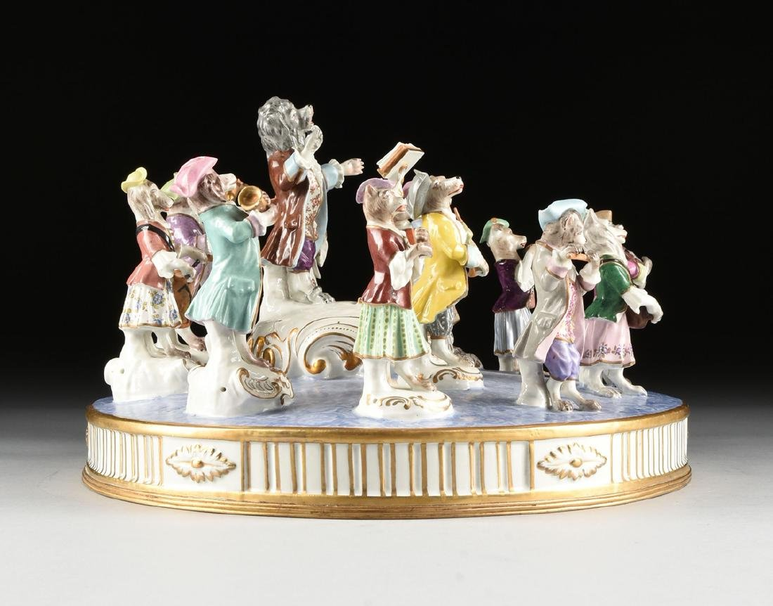 A LARGE FRENCH PAINTED PORCELAIN FIGURAL GROUP OF THE - 7