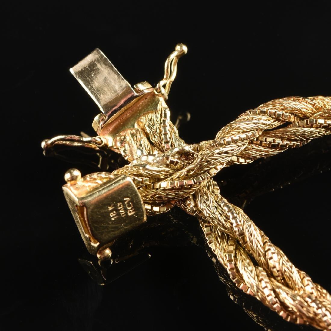 AN 18K YELLOW GOLD LADY'S BRACELET, - 2