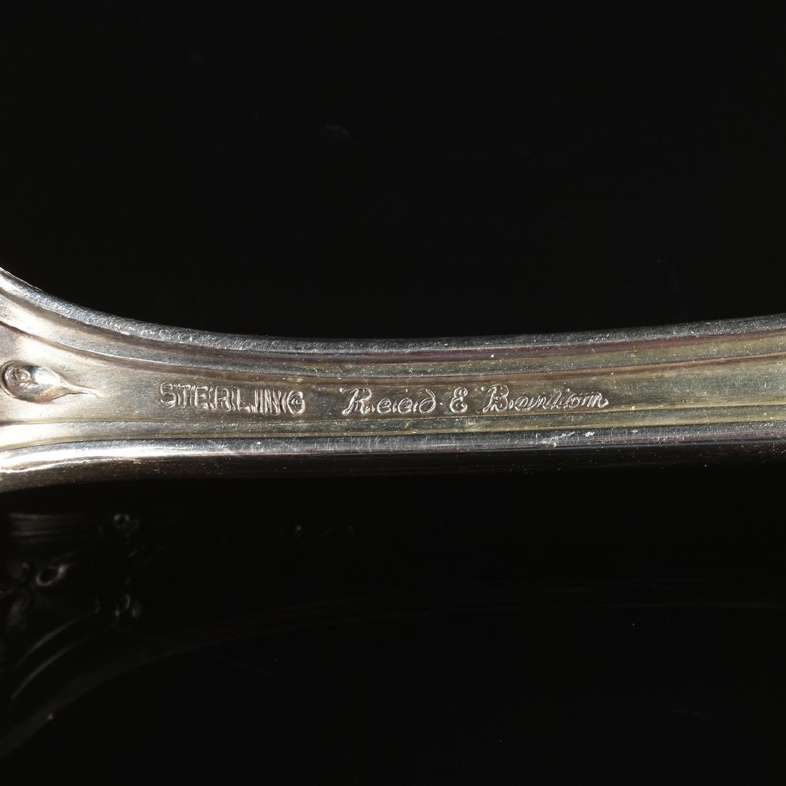 A GROUP OF SEVEN REED & BARTON STERLING SILVER SERVING - 9