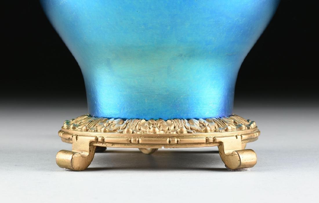 A STEUBEN BLUE AURENE IRIDESCENT GLASS VASE MOUNTED AS - 3