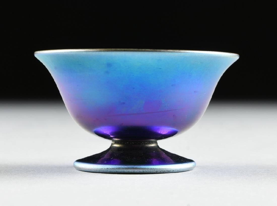 A GROUP OF FIVE AMERICAN IRIDESCENT GLASS VESSELS, - 8