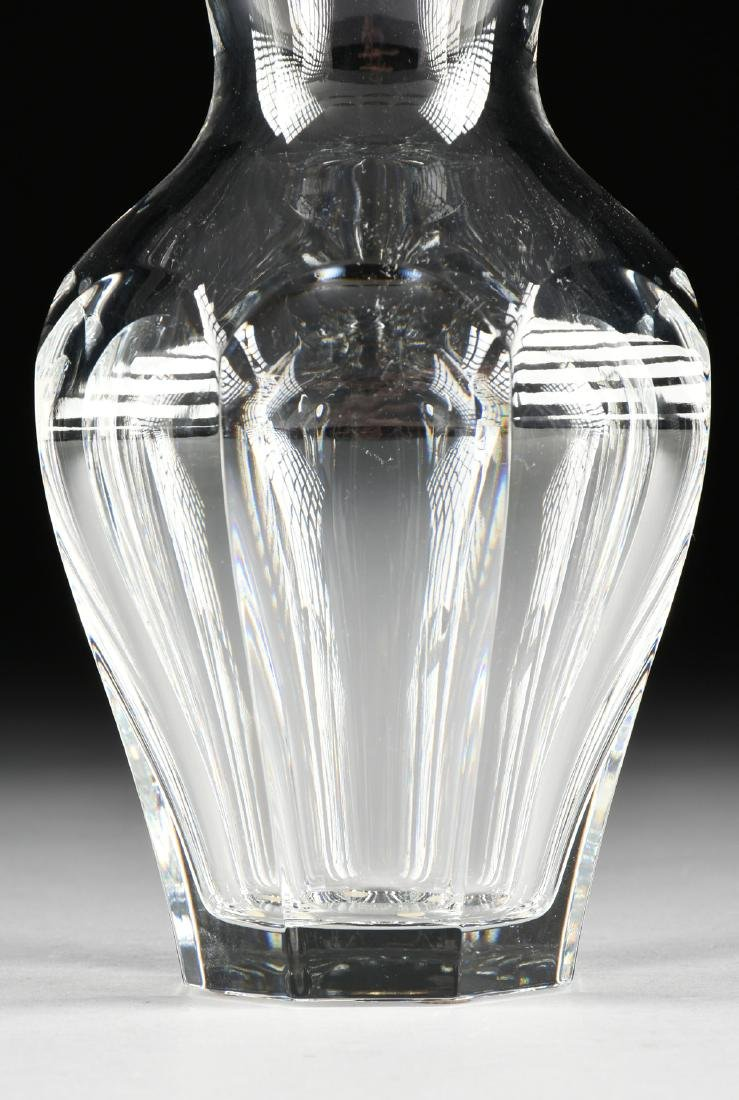 A BACCARAT BLOW MOLDED CRYSTAL FLOWER VASE, LATE 20TH - 2