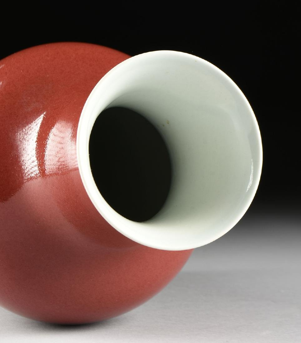 A CHINESE EXPORT OXBLOOD GLAZED PORCELAIN VASE, AFTER - 4