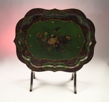 18: A 19TH CENTURY VICTORIAN PARCEL GILT AND LACQUERED