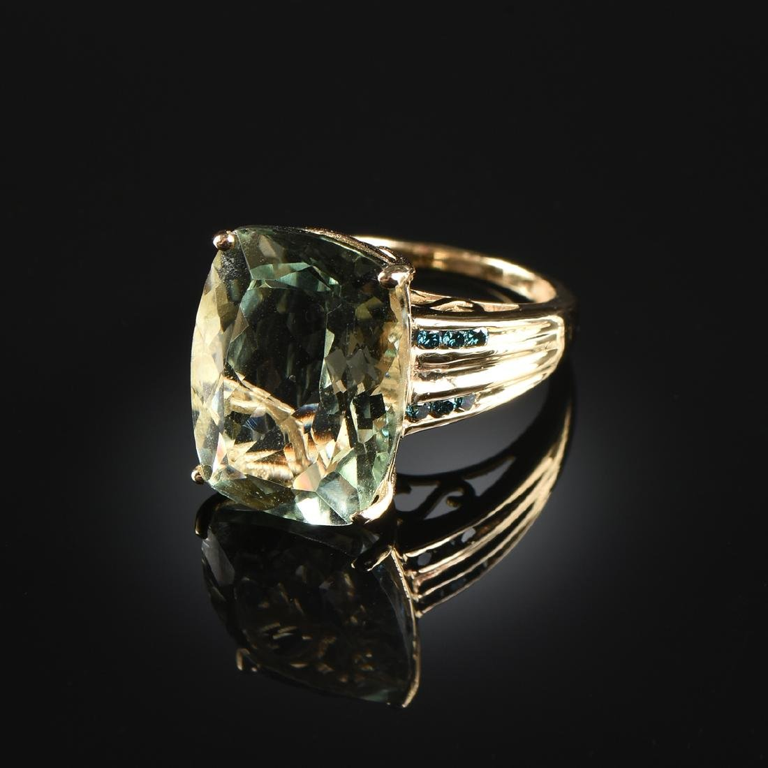 A 14K YELLOW GOLD, GREEN QUARTZ, AND SAPPHIRE LADY'S
