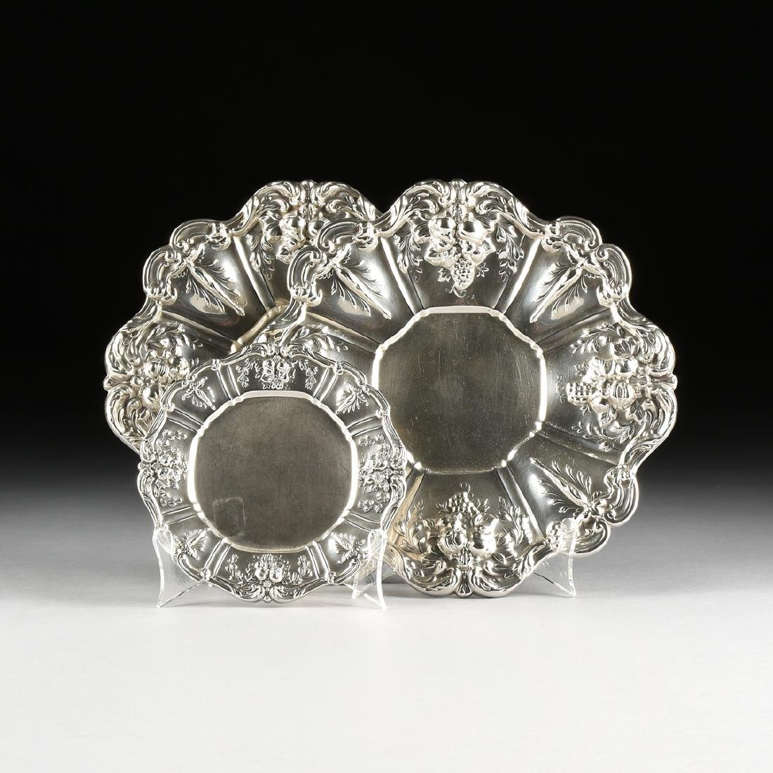 A SET OF THREE REED & BARTON STERLING SILVER SERVING