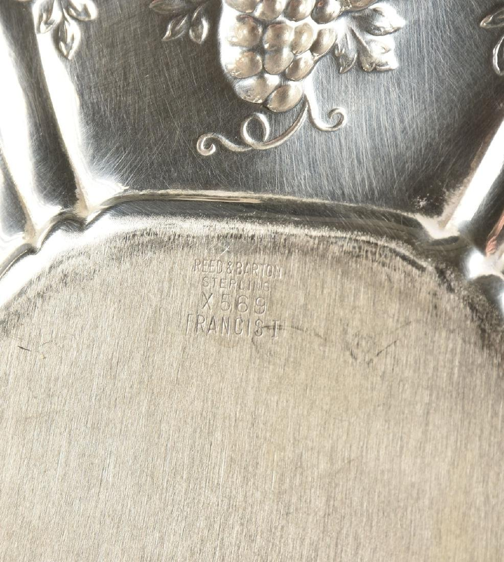 A SET OF THREE REED & BARTON STERLING SILVER SERVING - 5