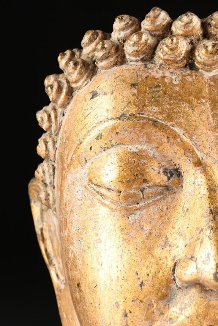 A THAI AYUTTHAYA STYLE PARCEL GILT HEAD OF BUDDHA - 2