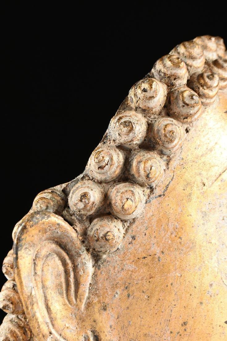 A THAI AYUTTHAYA STYLE PARCEL GILT HEAD OF BUDDHA - 6