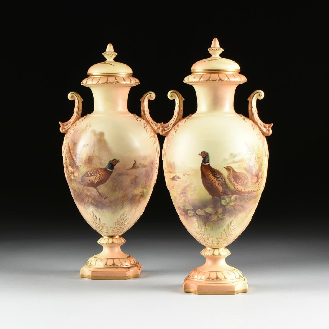 A PAIR OF GRAINGER & CO. ROYAL CHINA WORKS GILT AND