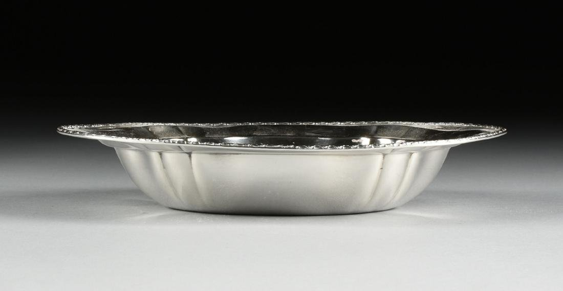 A GROUP OF FOUR AMERICAN STERLING SILVER SERVING - 4