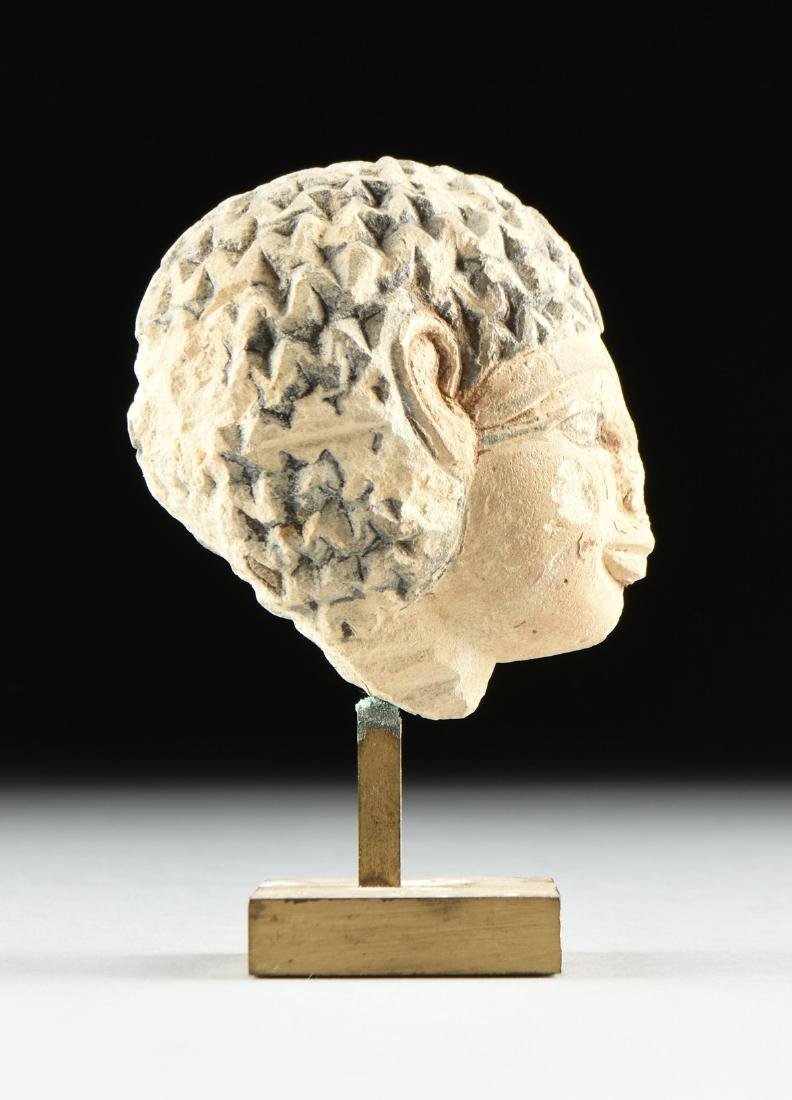 AN ANCIENT EGYPTIAN CARVED AND PAINTED LIMESTONE - 3