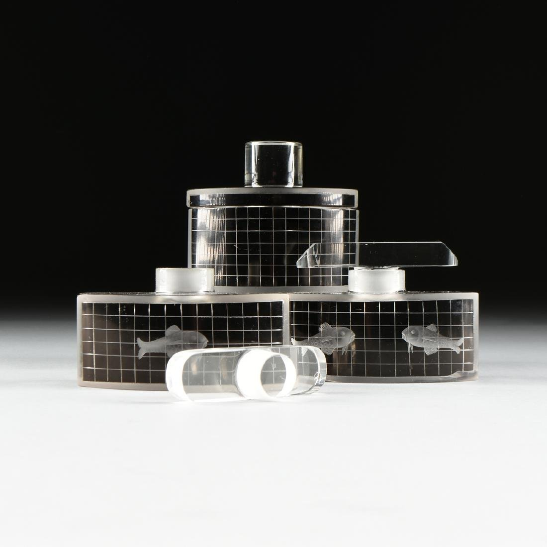 A SET OF THREE ART DECO BLACK FLASHED AND TRANSPARENT - 2