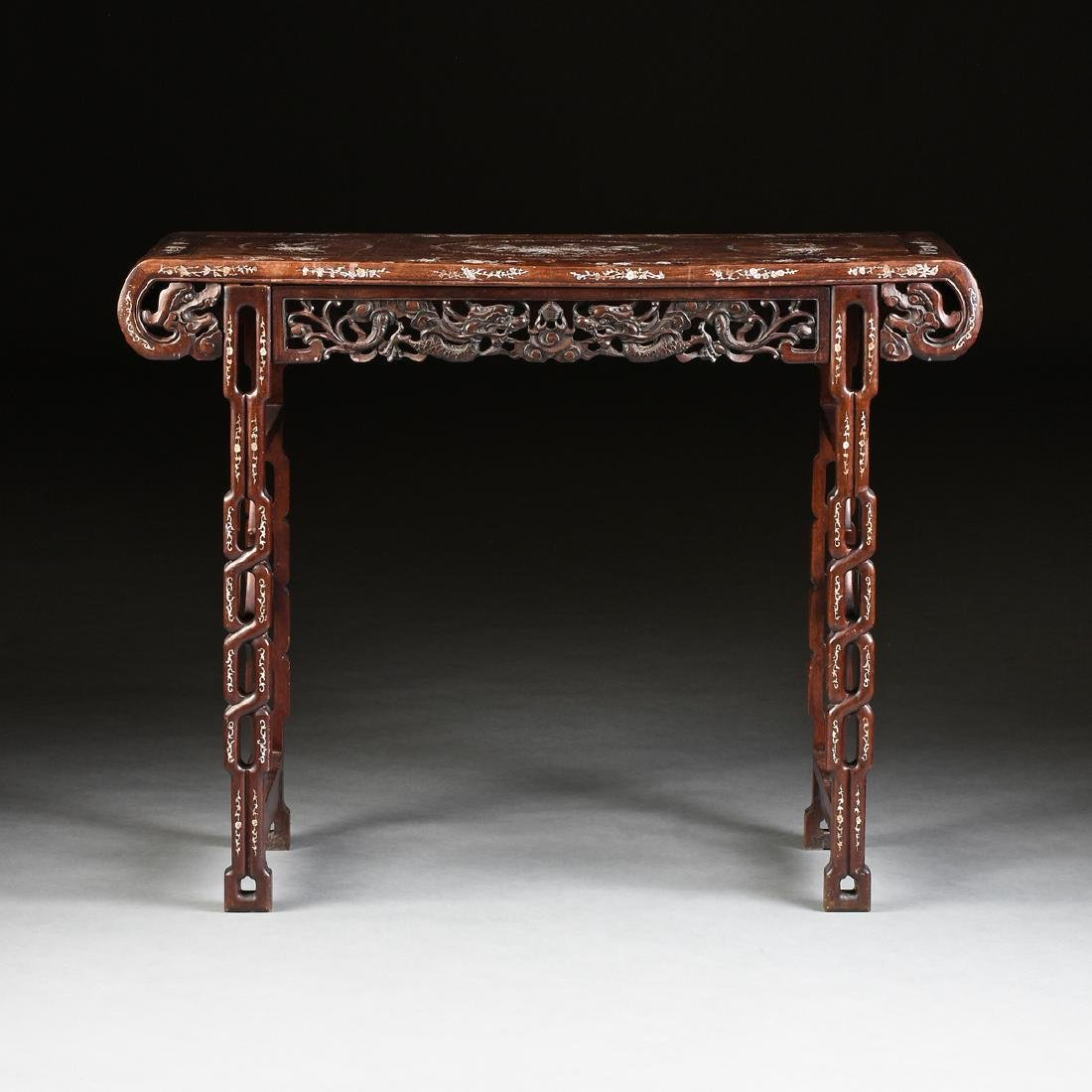 AN EXPORT MOTHER-OF-PEARL INLAID HONGMU ROSEWOOD ALTAR - 2