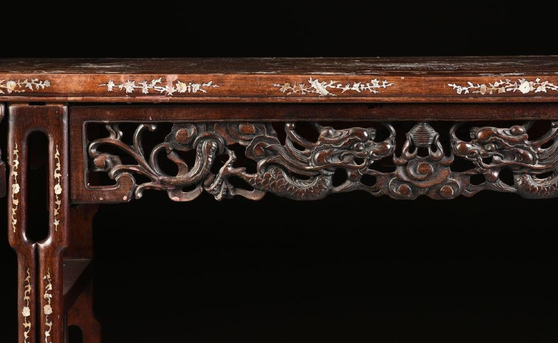 AN EXPORT MOTHER-OF-PEARL INLAID HONGMU ROSEWOOD ALTAR - 4